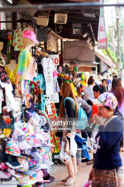 fashion shopping thai women - gehweg stock pictures, royalty-free photos & images