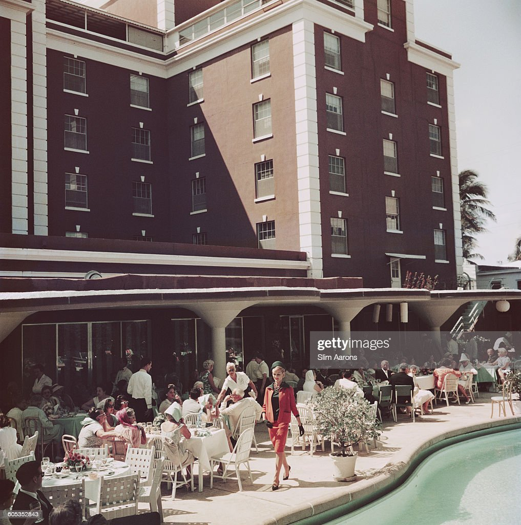 Poolside Promenade : News Photo