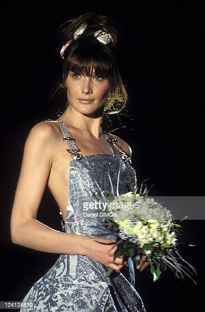 Fashion show Haute Couture Spring Sumpmer 1994 in Paris France in January 1994 Versace Carla Bruni