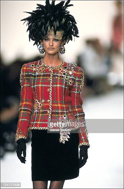 Fashion show ready to wear fall winter 91 92 in Paris France in March 1991 Oscar de La Renta