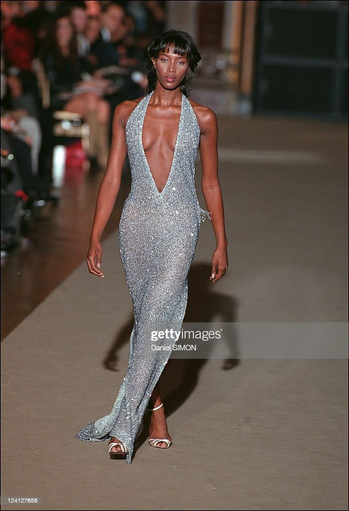 Fashion Show: Ready To Wear, Spring -Summer 1998 In Paris, France On October 14, 1997. : News Photo