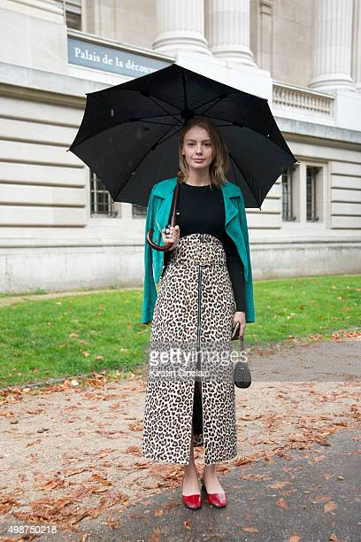 Fashion Stylist Alina Gelzina wears Gucci shoes Carven skirt and a Blumarine jacket on day 7 during Paris Fashion Week Spring/Summer 2016/17 on...
