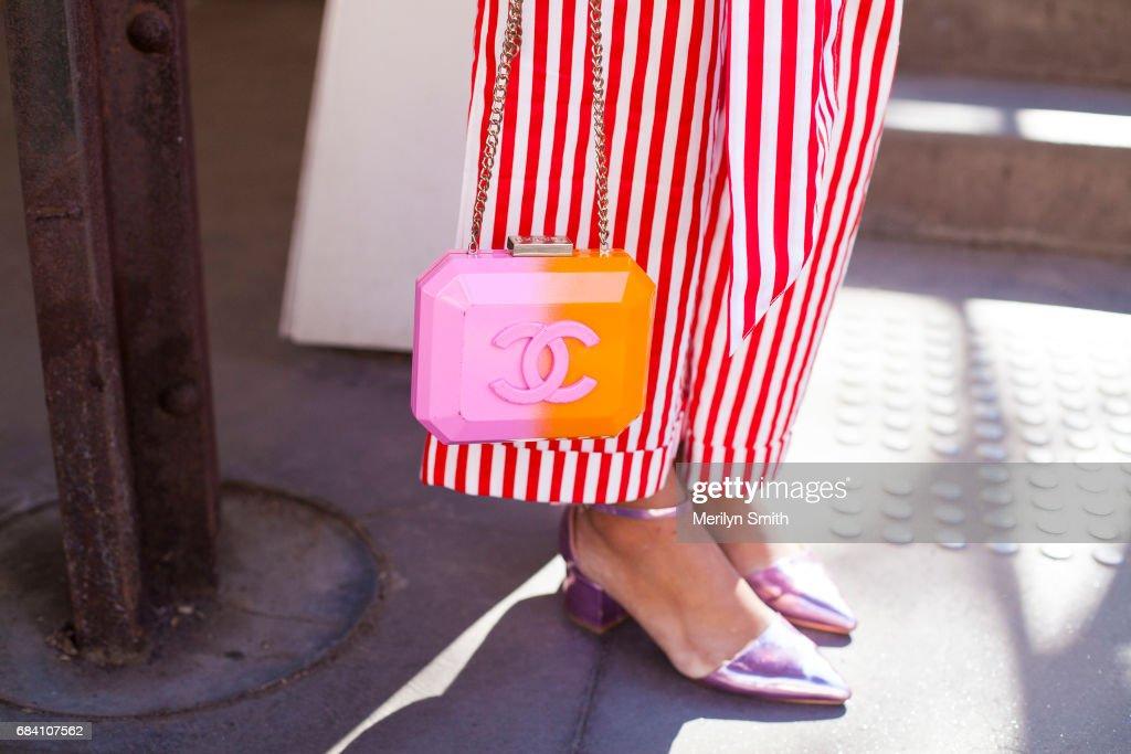 Street Style - Mercedes-Benz Fashion Week Australia 2017 : ニュース写真