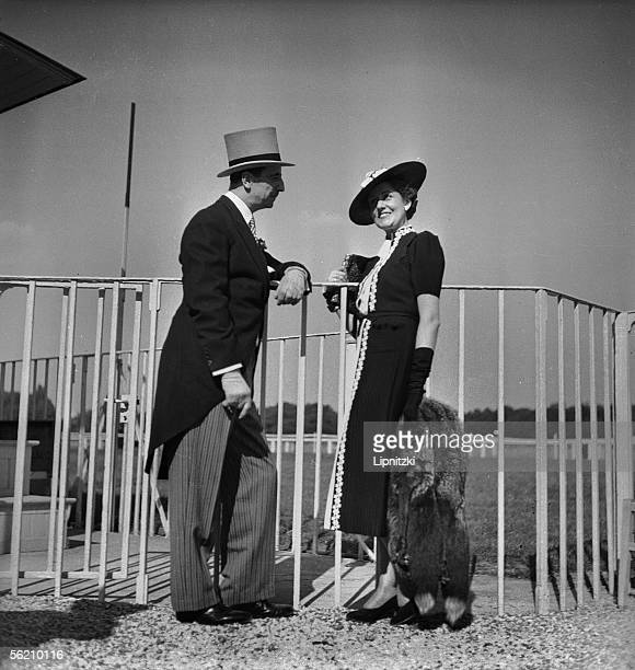 Fashion to the races Hippodrome of Longchamp Paris June 1938