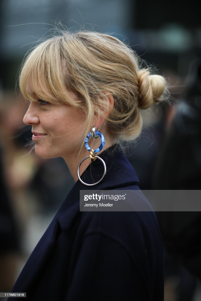 Street Style: September 20 - Milan Fashion Week Spring/Summer 2020 : News Photo