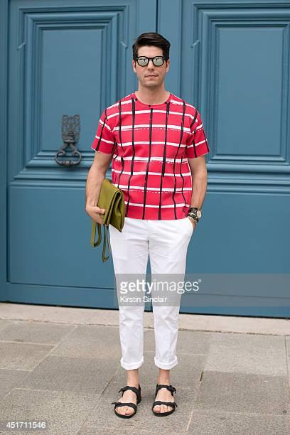 Fashion writer for I Officiel homme Kadu Dantas wearing Zara sandals Kenzo  top Valentino bag 1c54e146418
