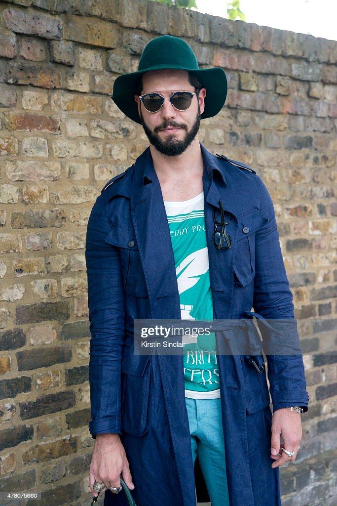 Fashion writer for I Officiel Homme Kadu Dantas wears all Burberry ... d28ea8ef7e1