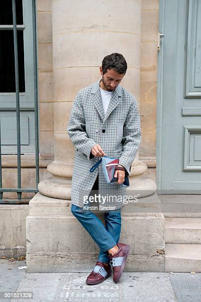 Fashion Writer Simone Marchetti wears all Valentino on day 8 during Paris Fashion Week Spring/Summer 2016/17 on October 6 2015 in Paris France Simone...