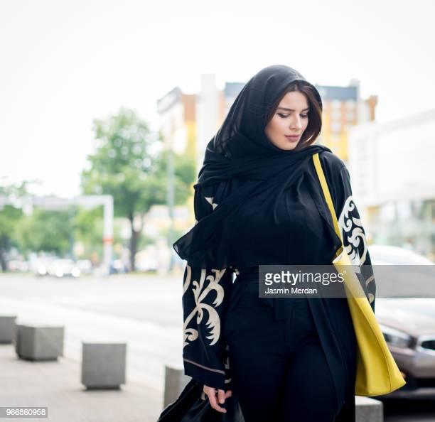 fashionable beautiful arabian girl - velo fotografías e imágenes de stock