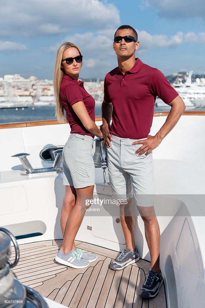 Fashionable cool couple on luxury yacht : Foto de stock