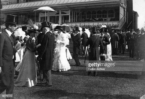 Fashionable crowds at the Ascot Races