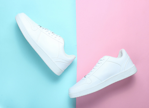 Fashionable white sneakers 1130229822