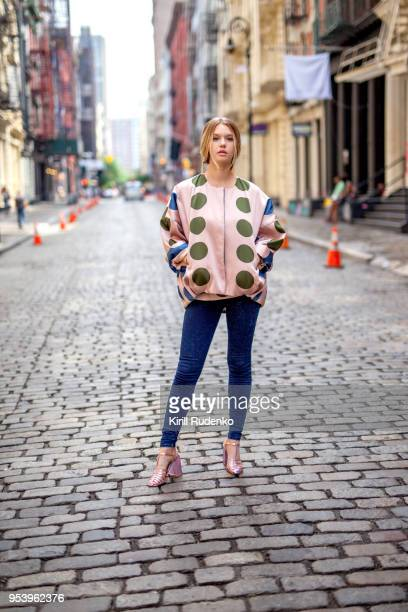 fashionable woman in the streets of soho, new york - street style stock pictures, royalty-free photos & images