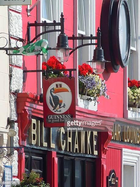 Fassade eines Pubs aufgenommen am 22 Juli 2015 in der Kleinstadt Adare bei Limerick