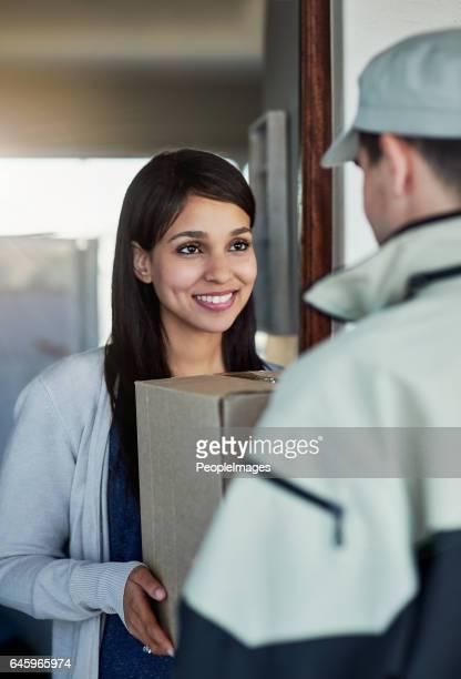 Schneller und freundlicher Service wird sie lächelnd