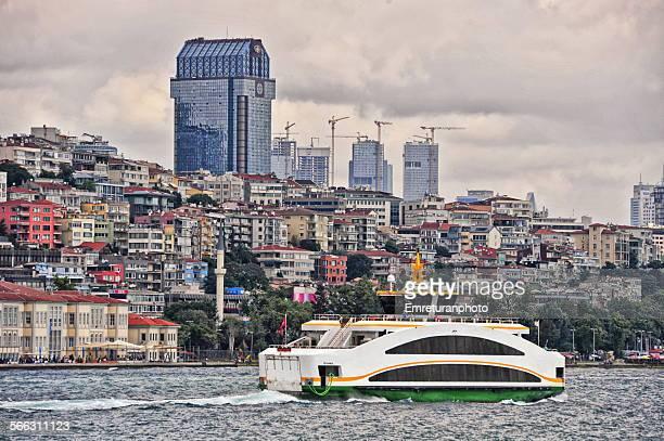 fast passenger boat on the boshorus - emreturanphoto - fotografias e filmes do acervo