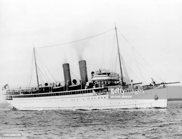 Fast steamer 'Kaiser' of HamburgAmerika line being tested by the navy in 1905