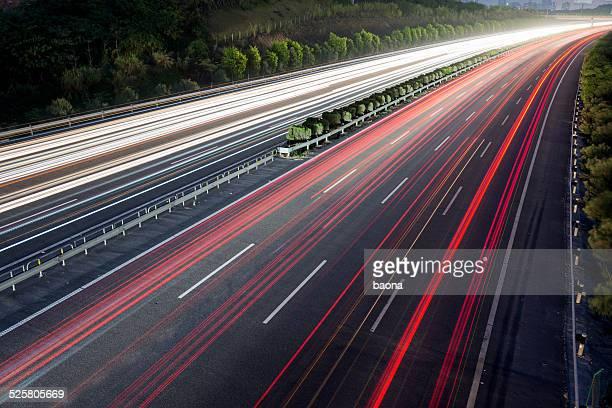 Schnell-Verkehr in der Nacht