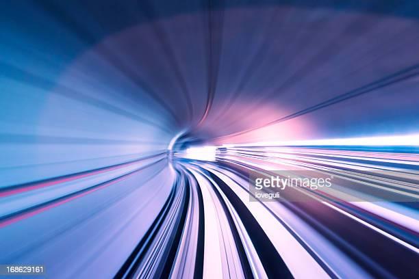 túnel de trem rápido - rasto - fotografias e filmes do acervo