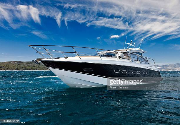 fast yacht - yacht stock pictures, royalty-free photos & images