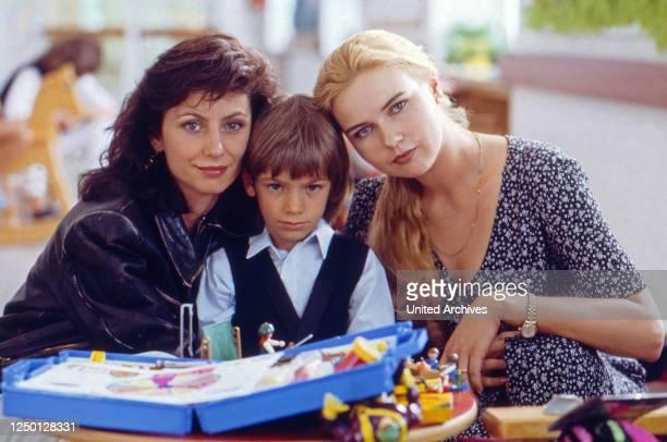 Fatale Mutterliebe Fernsehfilm Deutschland 1995 Regie Michael Keusch Darsteller Marijam Agischewa Mitja Daniel Krebs Veronica Ferres