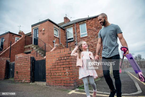 father and daughter bonding - stereotypically working class stock pictures, royalty-free photos & images