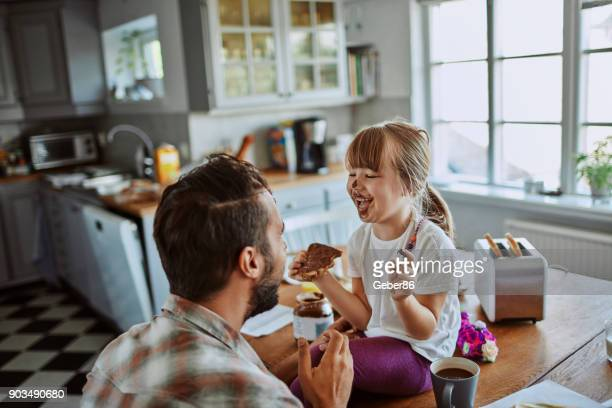 father and daugther - dirty little girls photos stock pictures, royalty-free photos & images