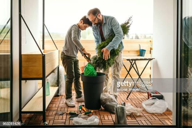 Vater und Sohn Balkon Dekoration