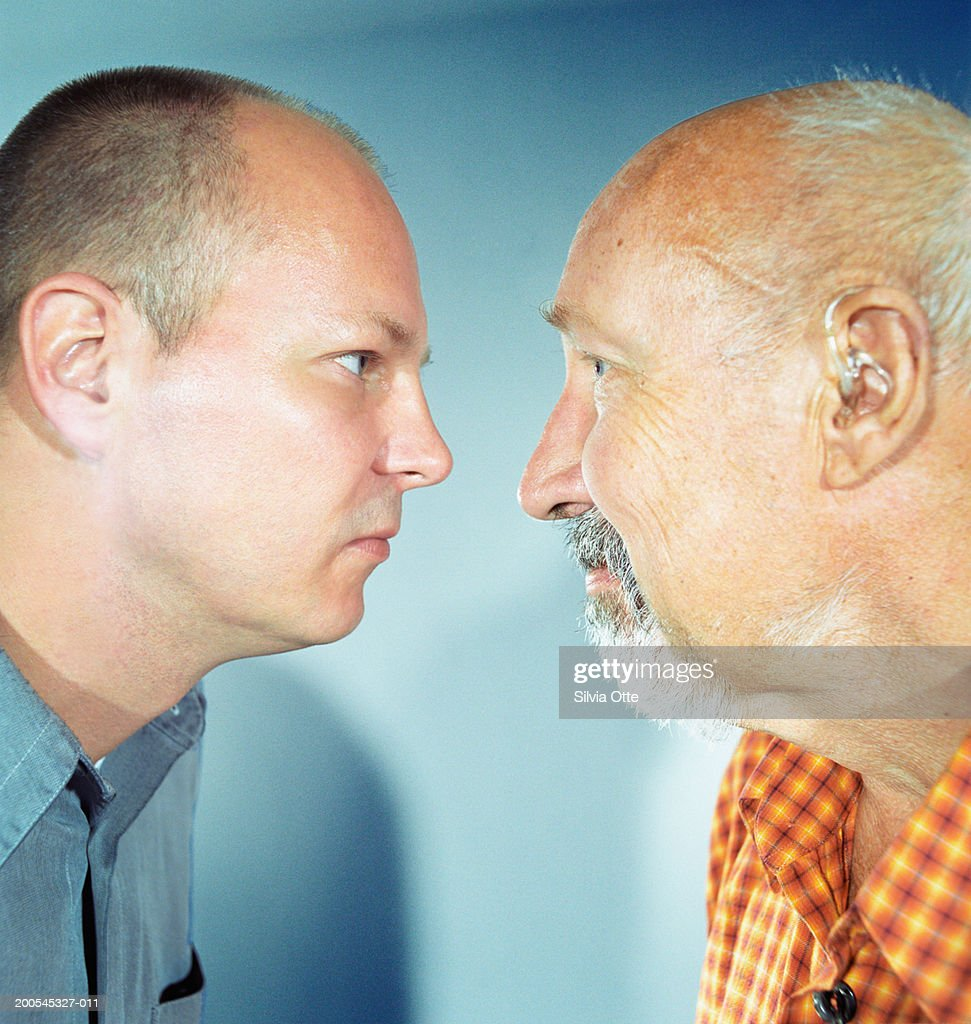 'Father and son face to face, close-up' : Stock Photo