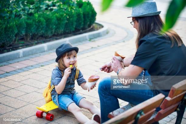 father and son - gender bender foto e immagini stock
