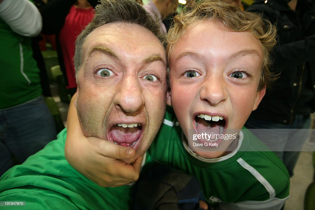 Father and son screaming : Stock Photo