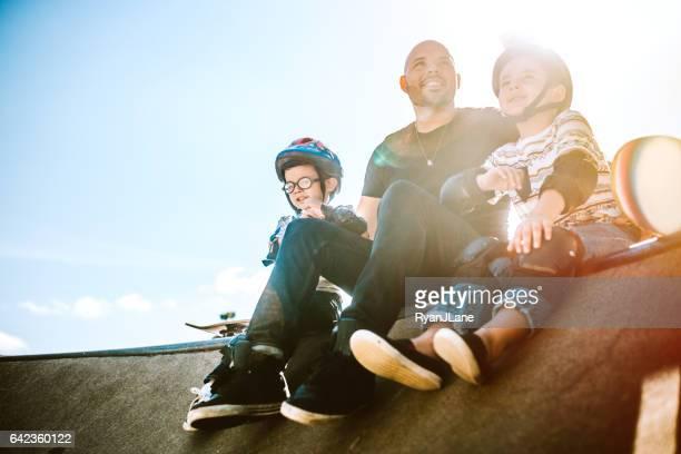 父と息子のスケート ボード
