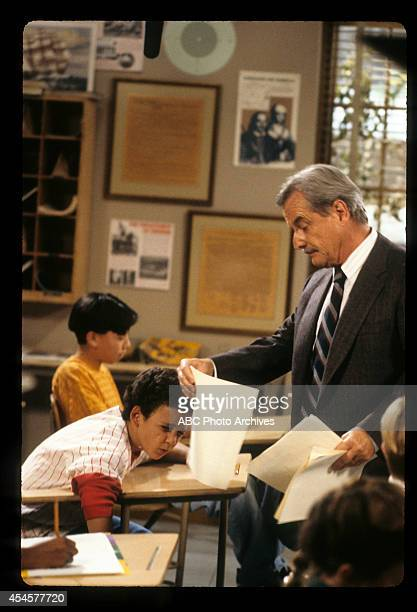 WORLD Father Knows Less Airdate October 8 1993 PRODUCTION SHOT OF BEN SAVAGE AND