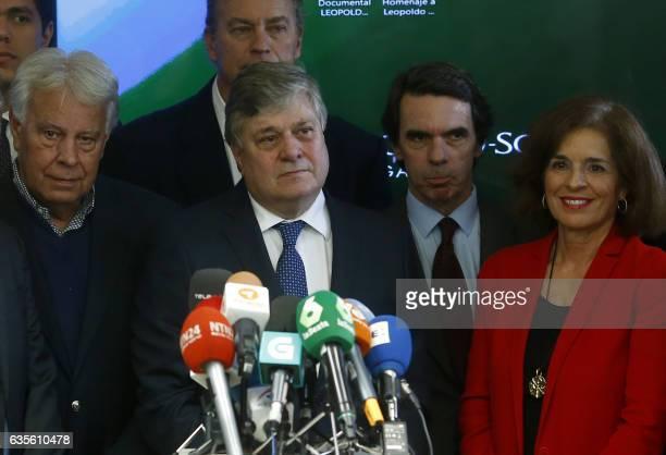 Father of jailed Venezuelan opponent Leopoldo Lopez Leopoldo Lopez Gil surrounded by Spanish former Prime Minister Felipe Gonzalez Spanish former...
