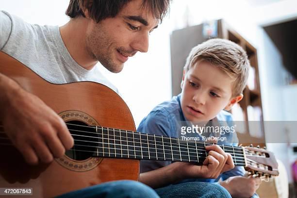 Vater Lehre Sohn Gitarre