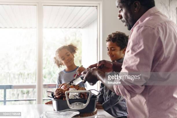 Pères préparent thanksgiving Turquie