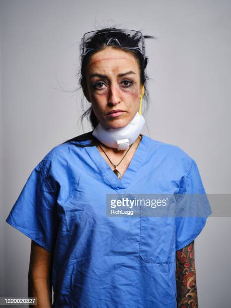 fatigued healthcare worker - frontline worker stock pictures, royalty-free photos & images