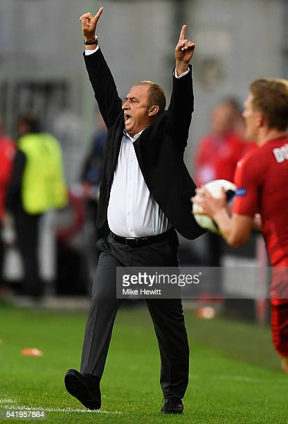 Fatih Terim head coach of Turkey gestures during the UEFA EURO 2016 Group D match between Czech Republic and Turkey at Stade BollaertDelelis on June...