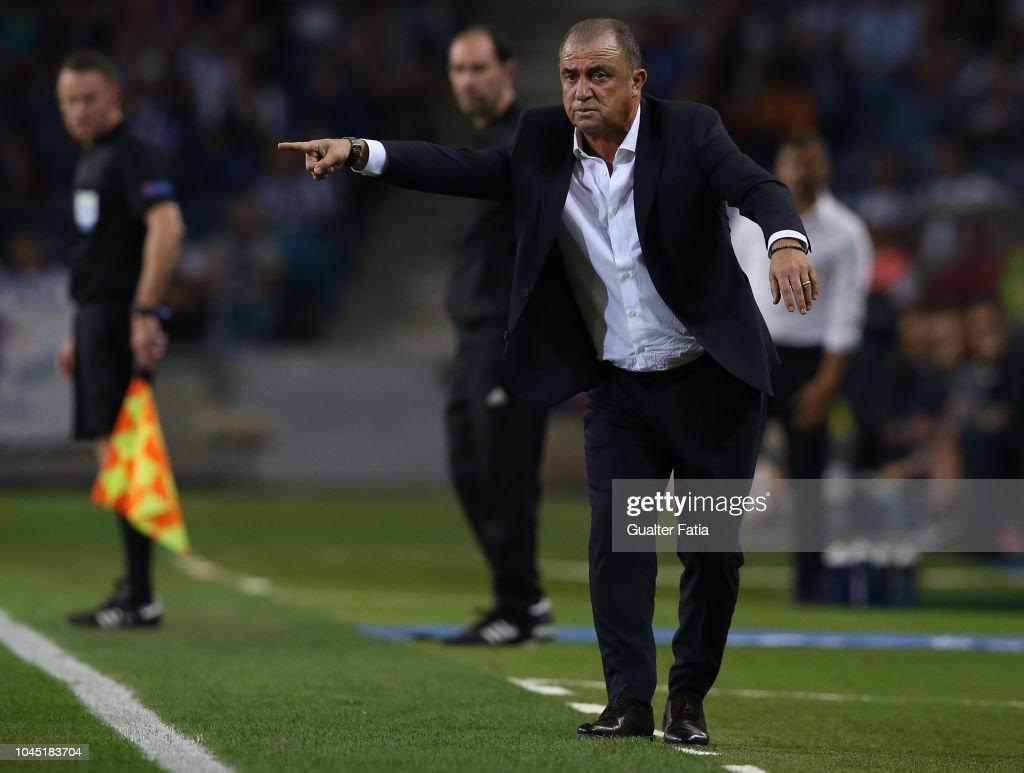 FC Porto v Galatasaray - UEFA Champions League Group D : News Photo
