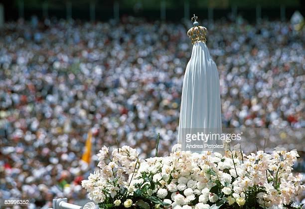 fatima madonna celebration - madonna di fatima foto e immagini stock