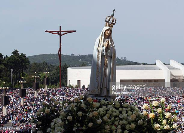 fatima santuary in portugal - fatima stock pictures, royalty-free photos & images