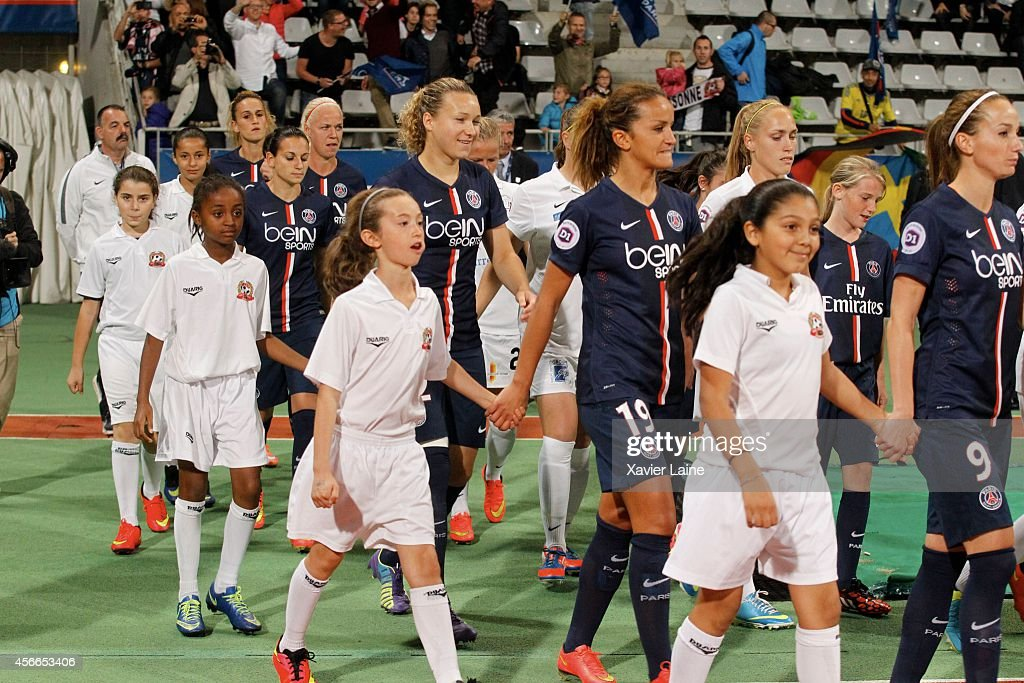 Paris St. Germain FC v FCF Juvisy Essonne - Feminin D1