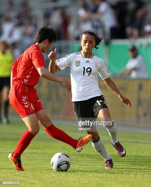 Fatmire Bajramaj gegen Sol Hui Paek Frauenfussball Länderspiel Deutschland Nordkorea Korea DVR 20 am 21 5 2011