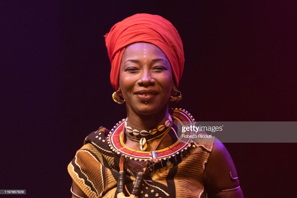 Fatoumata Diawara Performs at Tramway, Glasgow : News Photo