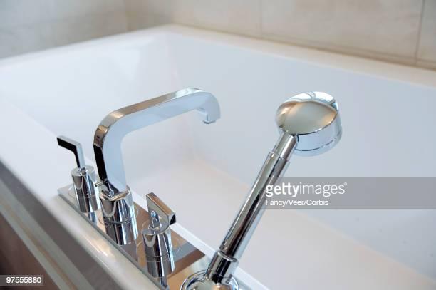 Faucet and detachable shower head