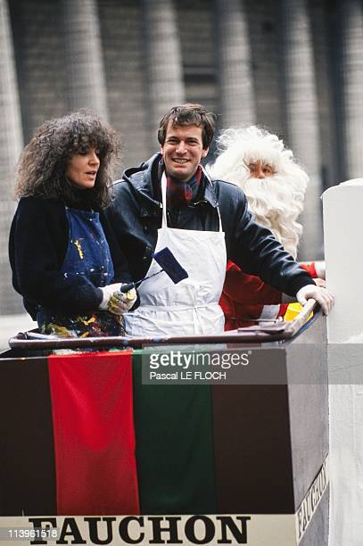 Fauchon Window Dressing In Paris France In December 1988Michele Auboiron and Hubert Auriol during Fauchon window dressing for SOS Drogue in December...