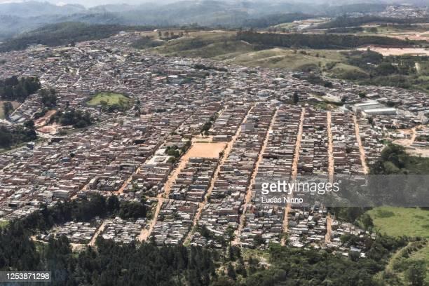 favela anita garibaldi in guarulhos, são paulo - demography stock pictures, royalty-free photos & images