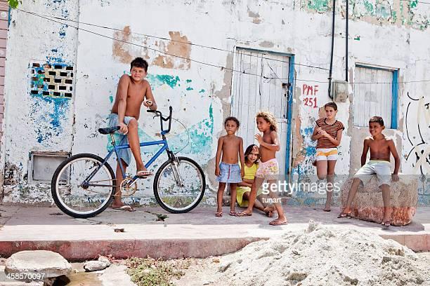 favelas - nordöstliches brasilien stock-fotos und bilder