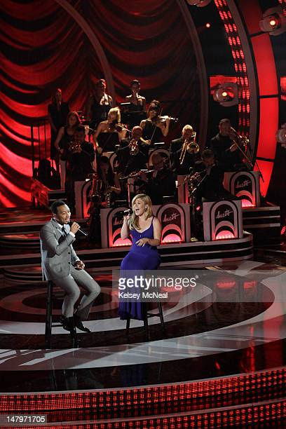 DUETS Favorite Standards Superstars Kelly Clarkson John Legend Jennifer Nettles and Robin Thicke take the stage with their remaining Duet partners...
