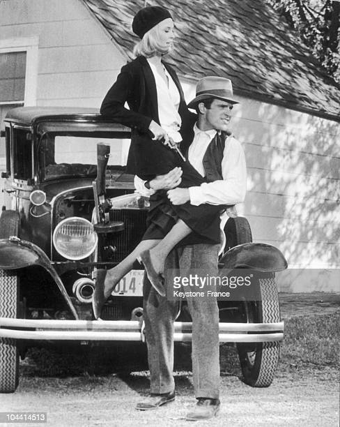 Faye DUNAWAY and Warren BEATTY playing the gangster couple Bonnie and Clyde in Arthur Penn's film in the United States in 1967
